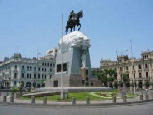 plaza-de-paracas